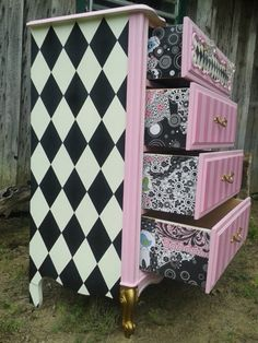 Alice's Cheshire Drawers