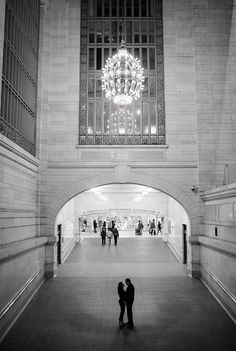 NY Public Library Engagement Photos_Grand Central Engagement Photography_Snowy NYC Engagement Session