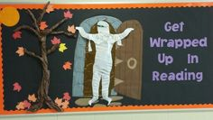Halloween reading bulletin board.