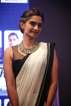 Some Lesser Known Facts About Sonam Kapoor Does Sonam Kapoor smoke? No Does Sonam Kapoor drink alcohol? Sonam Kapoor Saree, Bollywood Celebrities, Bollywood Fashion, Bollywood Actress, Bollywood Outfits, Bollywood Saree, Indian Attire, Indian Wear, Indian Outfits