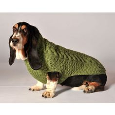 it's cold outside! Don't let your dog walk around nude in the wintertime! Warm up your dog in style with a thick cozy soft dog sweater. Chilly Dog Cable Knit dog sweaters are made foll Dog Sweater Pattern, Crochet Dog Sweater, Sweater Patterns, Crochet Patterns, Great Dane Dogs, I Love Dogs, Chilly Dogs, Dachshund Funny, Dachshund Sweater