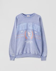 "Sweatshirt lavanda ""South Campus"" - PULL&BEAR Pull N Bear, Lavender Blue, Color Azul, Graphic Sweatshirt, Comfy, Sweatshirts, Long Sleeve, Sweaters, Cotton"