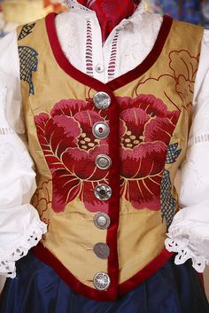FESTDRAKT - Swooning over that vest. would love to see this in turquoise or aqua brocade Culture Clothing, Folk Clothing, Norwegian Clothing, Scandinavian Embroidery, Norwegian Style, 20th Century Fashion, Fantasy Costumes, Fantasy Dress, Festival Dress