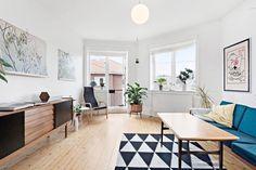 TØYEN - Lys og romslig 2-roms selveierleilighet med balkong - topp- og hjørneleilighet - varmtvann og fyring inkl.