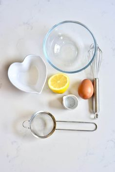 Egg wash ingredients Croissant Recipe, Croissant Dough, Homemade Croissants, Egg Wash, Vegetarian Chocolate, Tray Bakes, Drawing Heads, Simple, Baked Goods