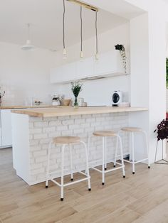 Diy Kitchen Island, Kitchen Corner, Interior Design Kitchen, Interior Decorating, Living Single, Sweet Home, New Homes, Home Decor, Kitchenettes