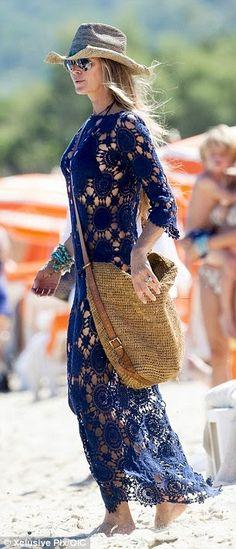 crochelinhasagulhas: Saída de praia azul em crochê