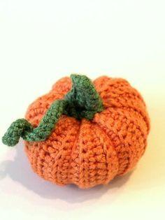 Guest Post: Crochet Pumpkin DIY -- this crochet pumpkin looks really good