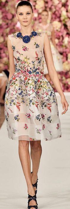 Oscar de la Renta Spring 2015 Ready-to-Wear Fashion Show