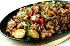 pork  sisig  one of the favorite pilipinos pulutan (*^ー゜)