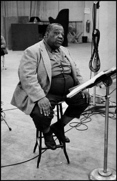 USA. 1958. Jimmy RUSHING at a Columbia recording session.