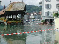 Hochwasser in Luzern - vor 10 Jahren 2005 City, Tube, Red, Lucerne, City Drawing, Cities