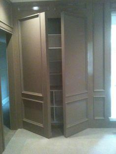 Double Wall Panel open - Media room: single doors flanking the screen