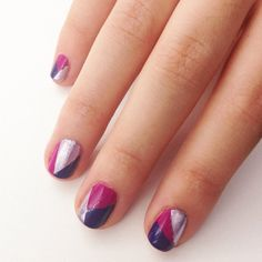 Geometric nail art and more easy nail art designs you can do at home! Diy Design, Diy Nail Designs, Simple Nail Art Designs, Easy Designs, Mac Nails, Nails Polish, Pretty Nail Art, Beautiful Nail Art, Nail Art Diy
