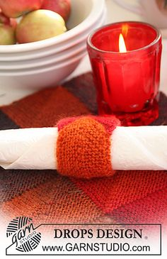 Ravelry: Placemat, Coaster and Napkin Holder by DROPS design