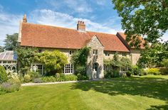 A charming and historic residence in Shalfleet, Isle Of Wight