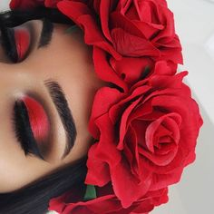 Black And Red Makeup, Red Makeup Looks, Red Eye Makeup, Colorful Eye Makeup, Cute Makeup, Eyeshadow Makeup, Beauty Makeup, Hair Makeup, Eyeliner