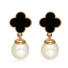 2016 New HOT Korean Jewelry Lady Temperament Fashion Pearl Gold Plated Black Clover Earrings For Women Wholesale E305 http://amzn.to/2srHSVM