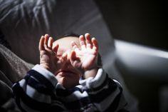 Le prime ore di vita di tuo figlio! Nuovo servizio fotografico di reportage, racconta con immagini le prime ore di vita del tuo bambino. D'Amicis fotografo.