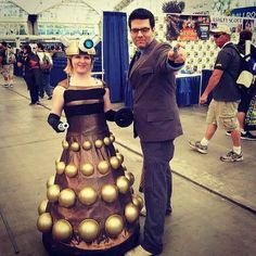 Dalek's attention to detail, matched with The Doctor's screwdriver is perfection. | 28 Comic-Con Couples Who Totally Nailed This Cosplay Thing
