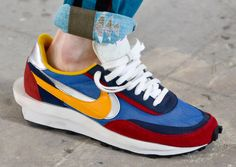 At the Paris Fashion Week in June this year, the SACAI x Nike Hybrid Collection in the SACAI show made fans of the Snakerhead and SACAI brands addicted. The SACAI x Nike LDV Waffle combined the Nike W Burberry, Gucci, Collection Capsule, Shoe Collection, Latest Sneakers, Sneakers Nike, Tod Bag, Birkenstock, T Shirt Logo Design