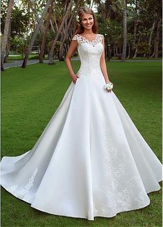 Glamorous Satin Scoop Neckline A-line Wedding Dresses With Lace Appliques