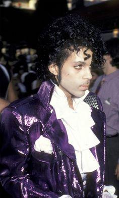 Prince Purple Rain era■ 'if looks could kill' Prince was the master■ Prince Purple Rain, Prince Costume Purple Rain, Prince Rogers Nelson, The Artist Prince, Purple Outfits, Roger Nelson, Purple Reign, Cultura Pop, My Prince