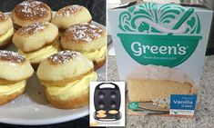 Creative cooks are making custard 'snow cakes' in the Kmart pie maker Chocolate And Vanilla Cake, Moist Vanilla Cake, Vanilla Cake Mixes, Chocolate Tarts, Easy Pie Recipes, Cake Recipes, Dessert Recipes, Breville Pie Maker, 3 Ingredient Cheesecake