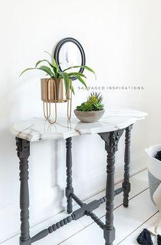 DIY Marble Paint Effect Table Top Diy Resin Furniture, Marble Furniture, Furniture Fix, Painted Furniture, Furniture Refinishing, Furniture Makeover, Top Table Ideas, Diy Table Top, Granite Table Top