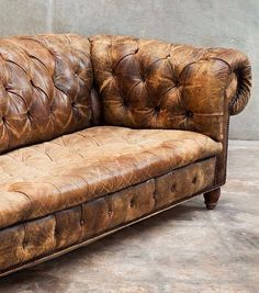 Obsolete Uncomplicated Beauty ISSUU - Obsolete Uncomplicated Beauty by Ray Azoulay Vintage Leather Sofa, Brown Leather Chairs, Vintage Sofa, Vintage Decor, Cigar Lounge Man Cave, Old Sofa, Beautiful Interior Design, Take A Seat, Occasional Chairs