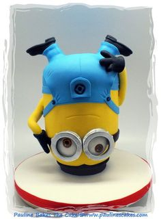 Breakdancing Jerry Minion Cake