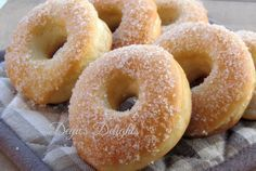 Gogosi la cuptor Baked Doughnuts, Donuts, No Cook Desserts, Easy Desserts, My Recipes, Cooking Recipes, Romanian Food, Eclairs, Bagel