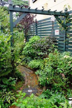 Advantages of a Shade Garden – Style Gardening Backyard Gates, Garden Gates And Fencing, Fence, Side Garden, Garden Trellis, Small Gardens, Outdoor Gardens, Pergola, Gothic Garden
