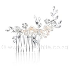 This beautiful well made Ivory bridal flower adorned with little rhinestones and faux pearls, will look stunning in any brides hair. A flower that will add elegance and look beautiful on any hair do, no matter what the occasion. Bridal Comb, Hair Comb Wedding, Hair Jewelry, Bridal Jewelry, Jewellery, Bridal Hair Flowers, Flower Hair, Vintage Hair Combs, Bridal Beauty