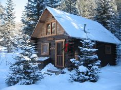 These 11 Cozy Cabins Are The Best Places To Stay In Colorado Colorado Cabins, Colorado Homes, Colorado Mountain Homes, Gunnison Colorado, Visit Colorado, Old Cabins, Cabins And Cottages, Winter Cabin, Cozy Cabin