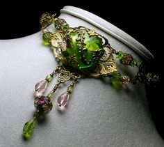 Jewels of the Spring Fairy Princess Vintage Style Green Choker Necklace