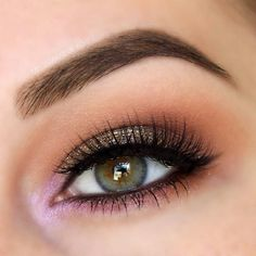 Beautiful smoky brown eyeshadow.. I love how the glitter is smudged well with the brown under the lower lashes