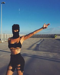 Image about girl in ᏩᏆᎡᏞ 💁🏽♀️🍫 by 🌸♔Coco♔🌸 on We Heart It Mode Gangster, Gangster Girl, Girl Gang Aesthetic, Badass Aesthetic, Pink Aesthetic, Foto Glamour, Fille Gangsta, Thug Girl, Shotting Photo