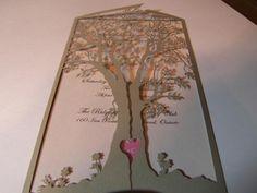 Diese Hochzeitseinladungen erfolgt durch Bestellung.    Sie erhalten 50 Einladungen für diesen Preis: Einladungskarte (gedruckt), Baum,