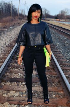 I remixed my leather top! Style Outfits, Classy Outfits, Fall Outfits, Casual Outfits, Fashion Outfits, Womens Fashion, Fashion Trends, Afro, All Black Outfit