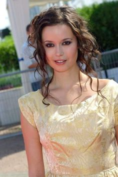 Summer Glau, Summer Nights, Morena Baccarin, Firefly Serenity, Summer Pictures, Celebs, Celebrities, Gold Dress, Actresses