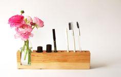 Utensilos & Stoffkörbchen - Kosmetikständer mit Blumenvase - ein Designerstück von kerfra bei DaWanda