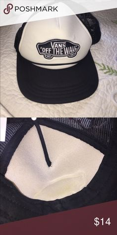 NWT Aloha Trucker Hat •New with tags •Mesh at the back •Adjustable ... 253348f5eab