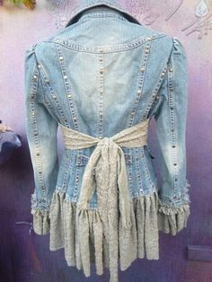 The Easy Coat DIY/Sew Your Own Winter or Spring Coat 2019 denim jacket wildskin denim jacket boho gypsy The post The Easy Coat DIY/Sew Your Own Winter or Spring Coat 2019 appeared first on Denim Diy. Artisanats Denim, Denim And Lace, Altered Couture, Boho Gypsy, Gypsy Cowgirl, Diy Clothing, Sewing Clothes, Gypsy Clothing, Denim Fashion