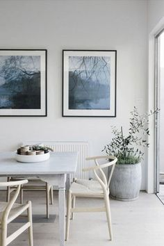 colors and mid-century design Hans Wegner Wishbone Chair for Carl Hansen & Son (c. / via Domaine Home Dining Room Inspiration, Interior Inspiration, Design Inspiration, Midcentury Modern, Küchen Design, House Design, Design Ideas, Home Interior, Interior Design
