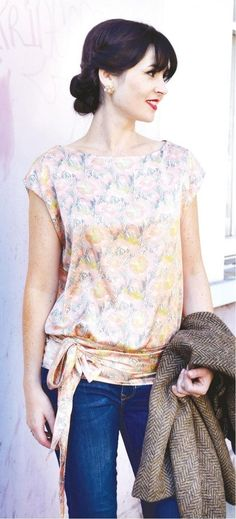 This gorgeous 1920s tie top is an absolute vintage must-have. It works beautifully for casual outfits or dressed-up occasions. Click here for your free pattern.