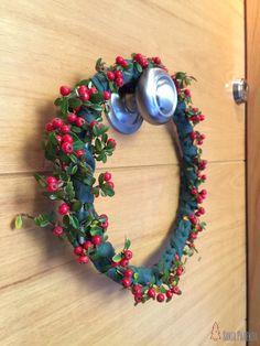 Corona de adviento de trapillo y bayas rojas | Santa Pazienzia