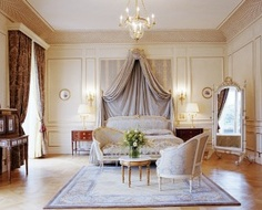 Hotels in Paris Paris certainly isn't short on luxury hotels; just take a look at this beautiful room at Hôtel Le Meurice.Paris certainly isn't short on luxury hotels; just take a look at this beautiful room at Hôtel Le Meurice. Paris Hotels, Hotel Paris, Le Meurice, Beautiful Hotels, Beautiful Bedrooms, Ambiance Hotel, Piscina Hotel, Hotels In France, Bedroom Decor