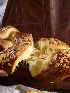 Bread Art, Cheesesteak, Sweets, Sugar, Ethnic Recipes, Desserts, Food, Easter, Kitchens