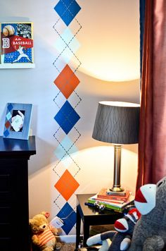 argyle - not sure where it might fit in my house, but I just like it painted vertically down the wall